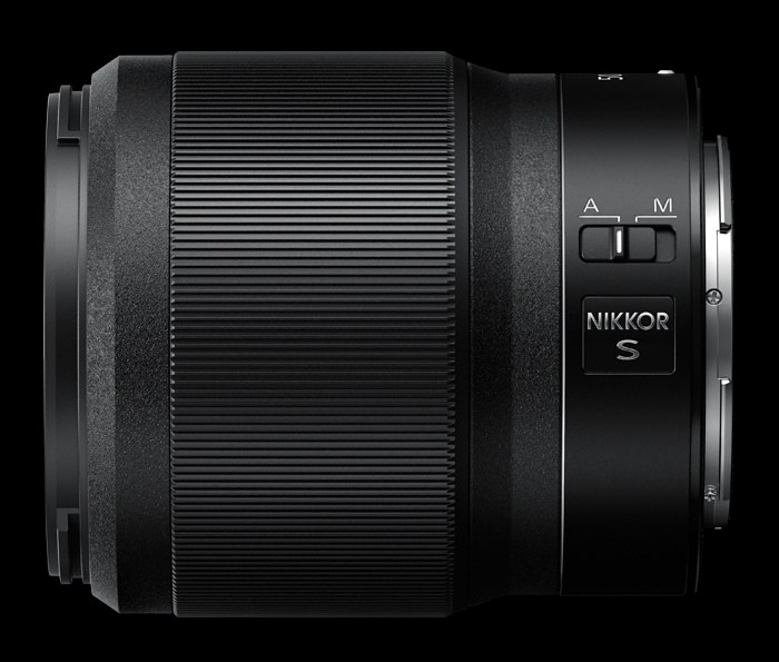 Nikkor Z 50mm f/1.8 S lateral.