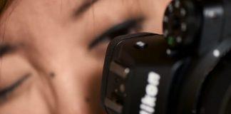 Enfocando a través del visor electrónico de la Nikon Z6/Z7.