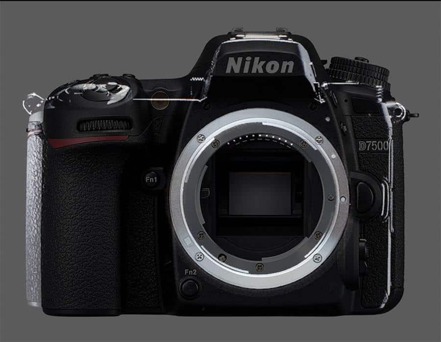 Nikon sin espejo comparada con la Nikon D7500 © Issy Nomura