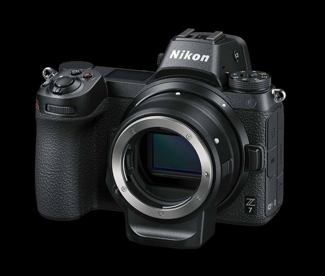 Adaptador Nikon FTZ montado