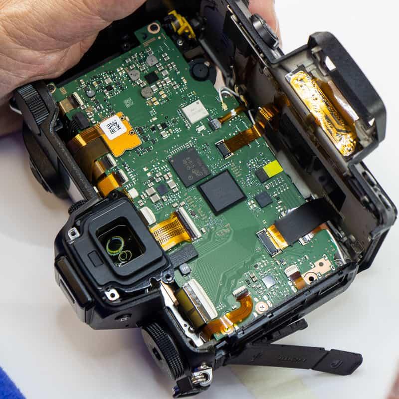 Componentes internos de la Nikon Z7.